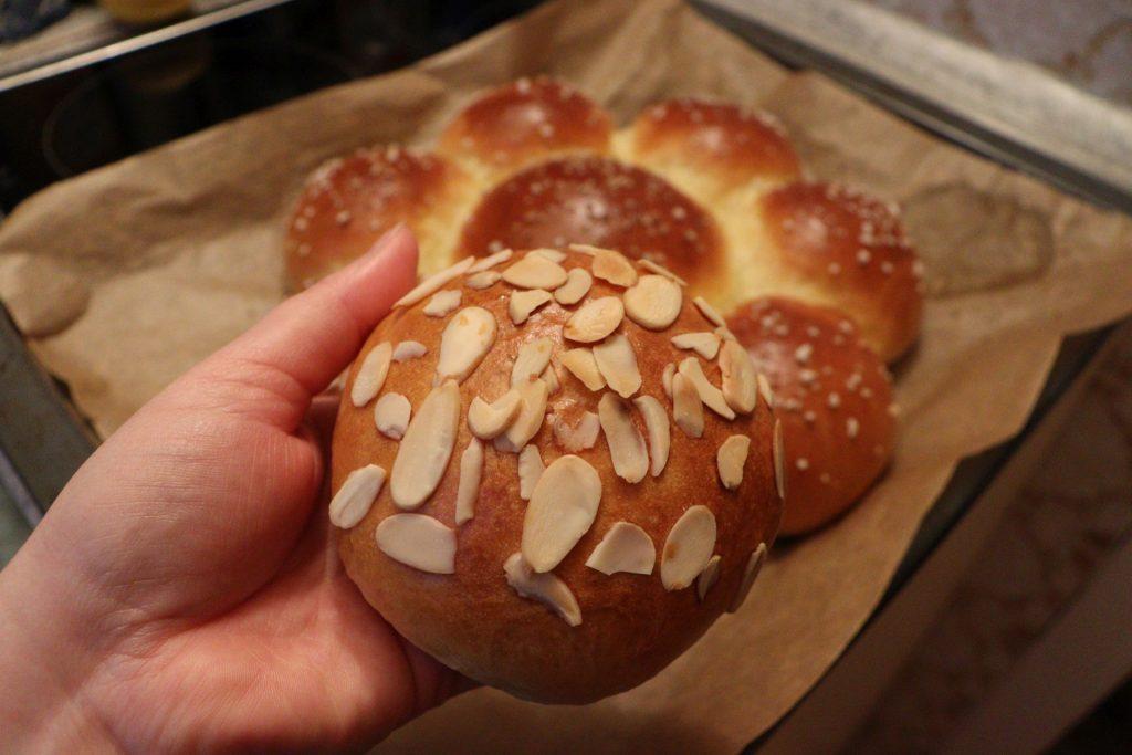 Dreikönigskuchen - Three Kings' Cake: extra piece for the hardworking person in the kitchen :D