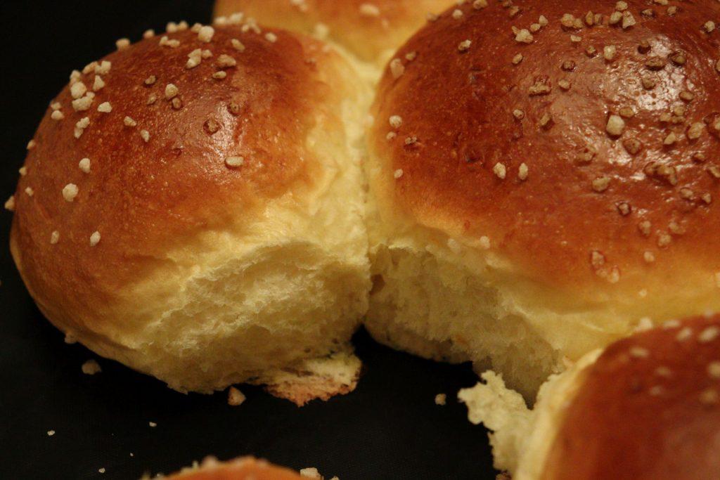 Dreikönigskuchen - Three Kings' Cake - fluffy cake freshly baked
